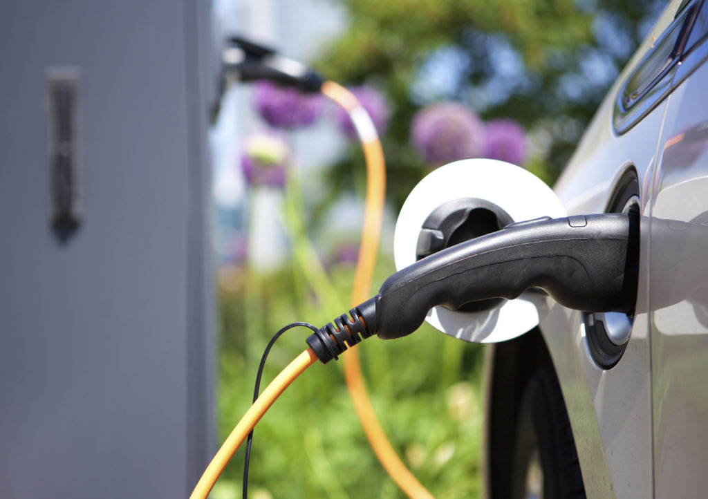 Power supply for charging hybrid electric car
